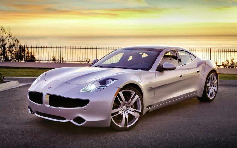 سيارات فخمة للإيجار في دبي